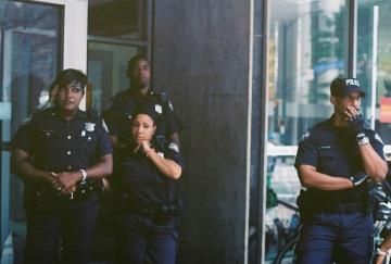 Cops blocking access to Wells Fargo branch